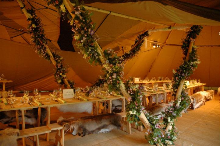 Aankleding Bruiloft tent