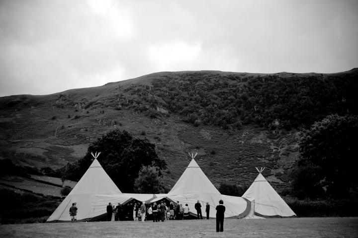 Zweedse-tenten-in-de-bergen