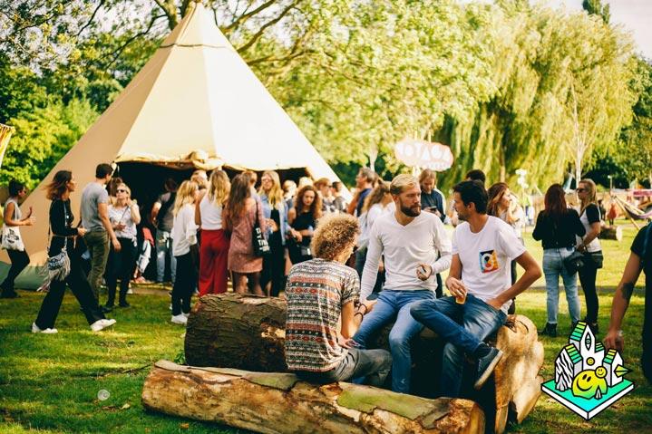 Zweedse-tenten-thuis-op-elk-festival